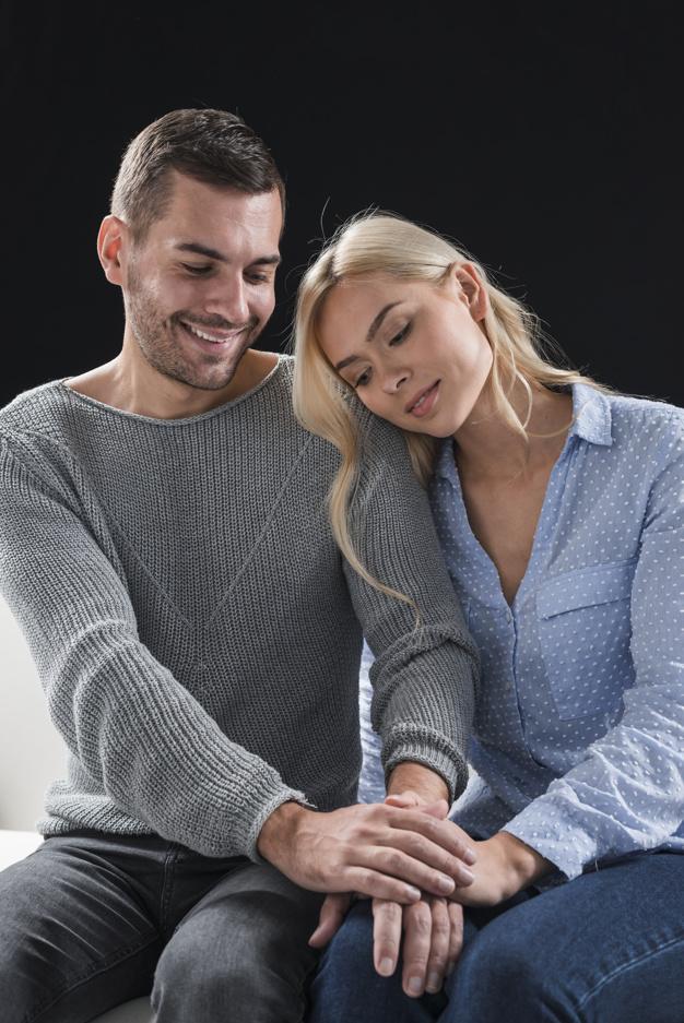 couple-holding